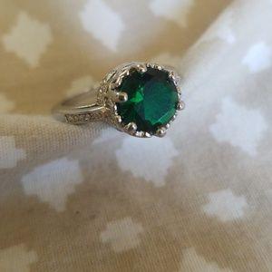Jewelry - Fashion Ring Emerald